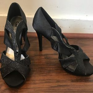 Shoes - Black sparkly high heals
